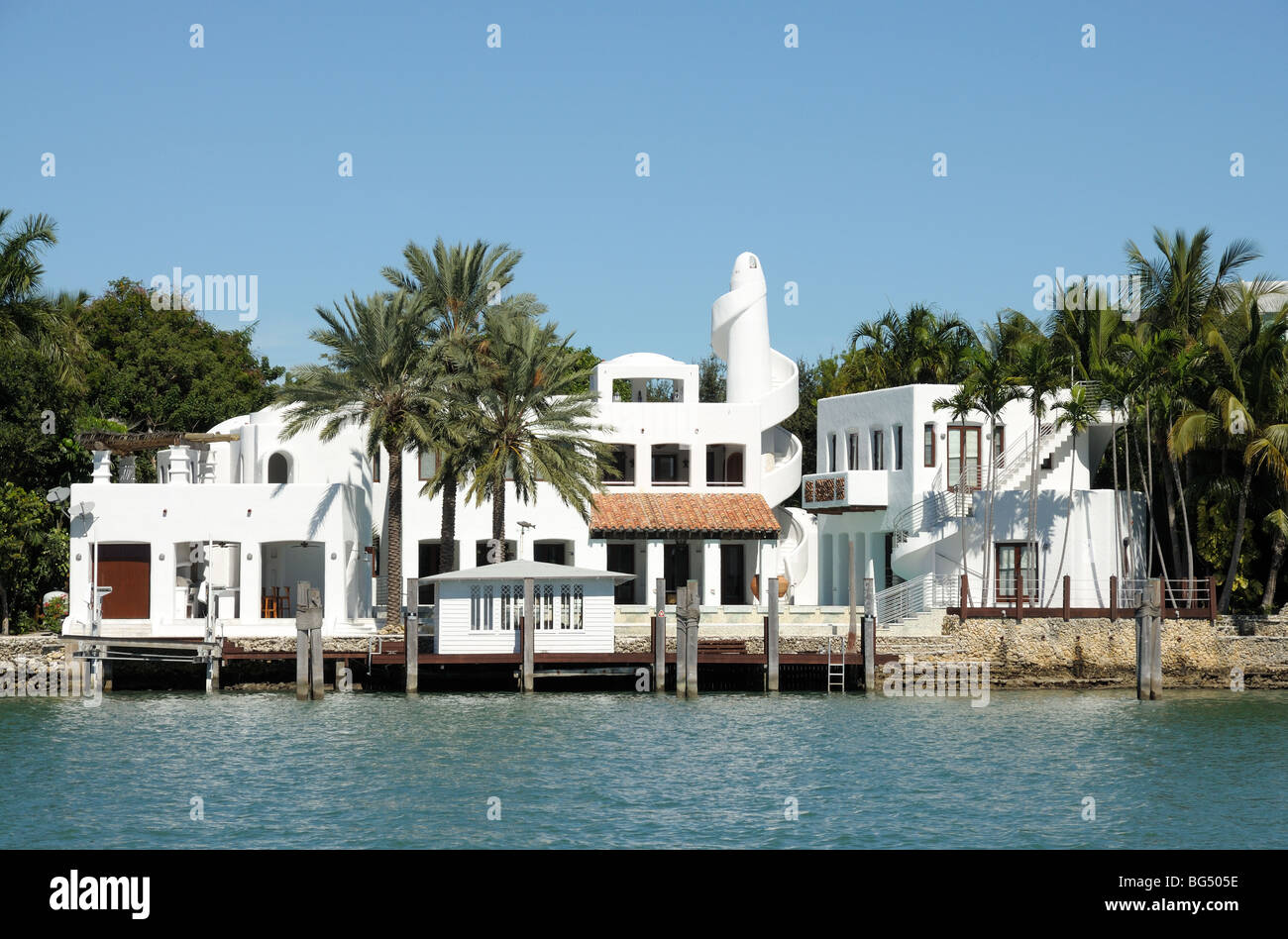 House waterside at the star island miami beach florida for Star island miami houses