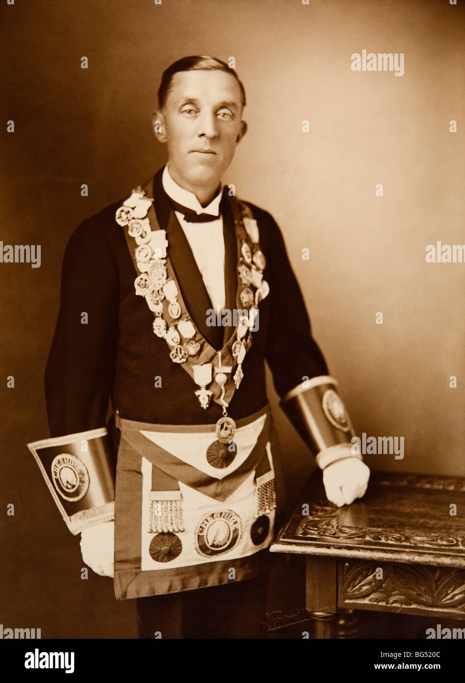 Maasonic history, man in 1920s freemasons regalia - Stock Image