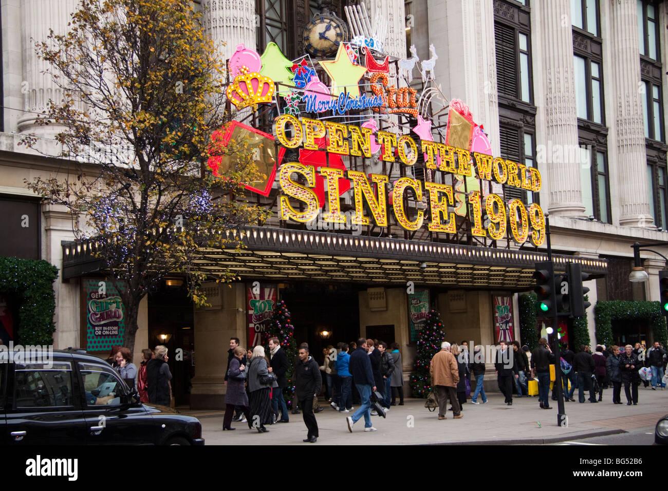Christmas shopping, Selfridges department store, Oxford Street, London, England, UK - Stock Image