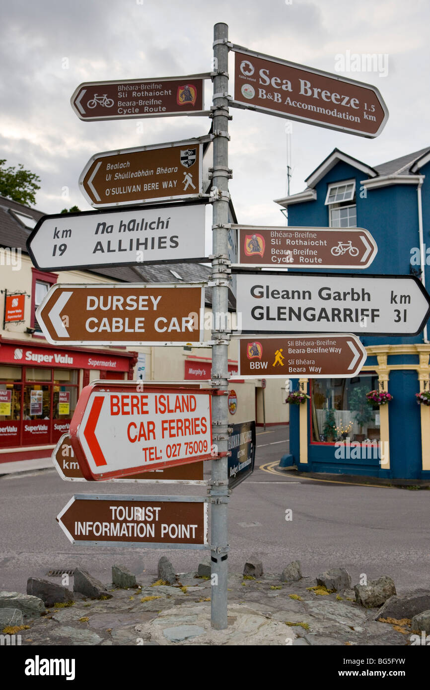 Sign post in Castletown Bearhaven, The Iveragh Peninsula, West Coast of Ireland - Stock Image