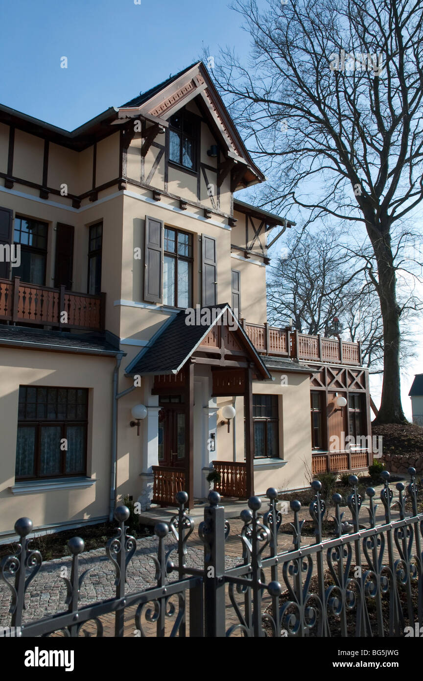 Villa Kulmstraße, Bäderarchitektur, Heringsdorf, Insel Usedom, Mecklenburg-Vorpommern, Deutschland | Villa, - Stock Image