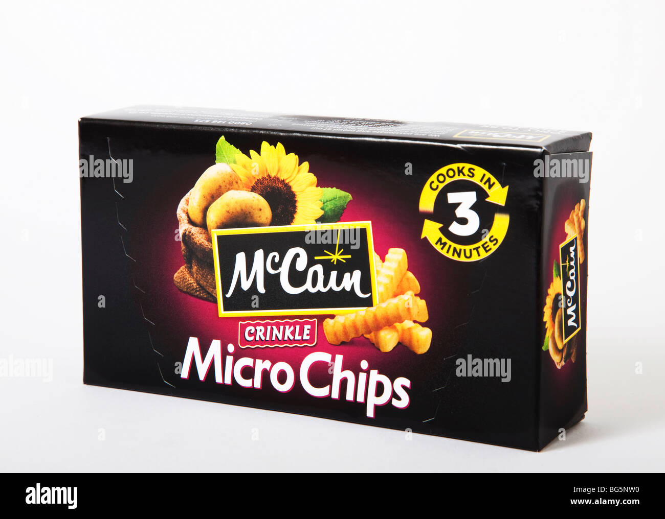 student junk food 'micro chips' 'microwave chips' mccain - Stock Image