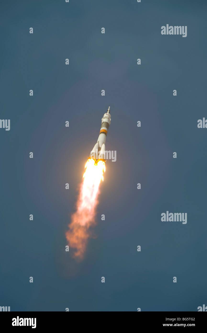 Soyuz TMA-16 liftoff - Stock Image