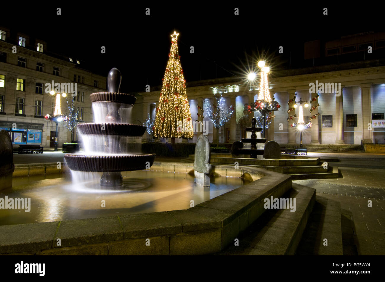 Christmas decorations in the city square Dundee, with caird hall in the back ground - Stock Image