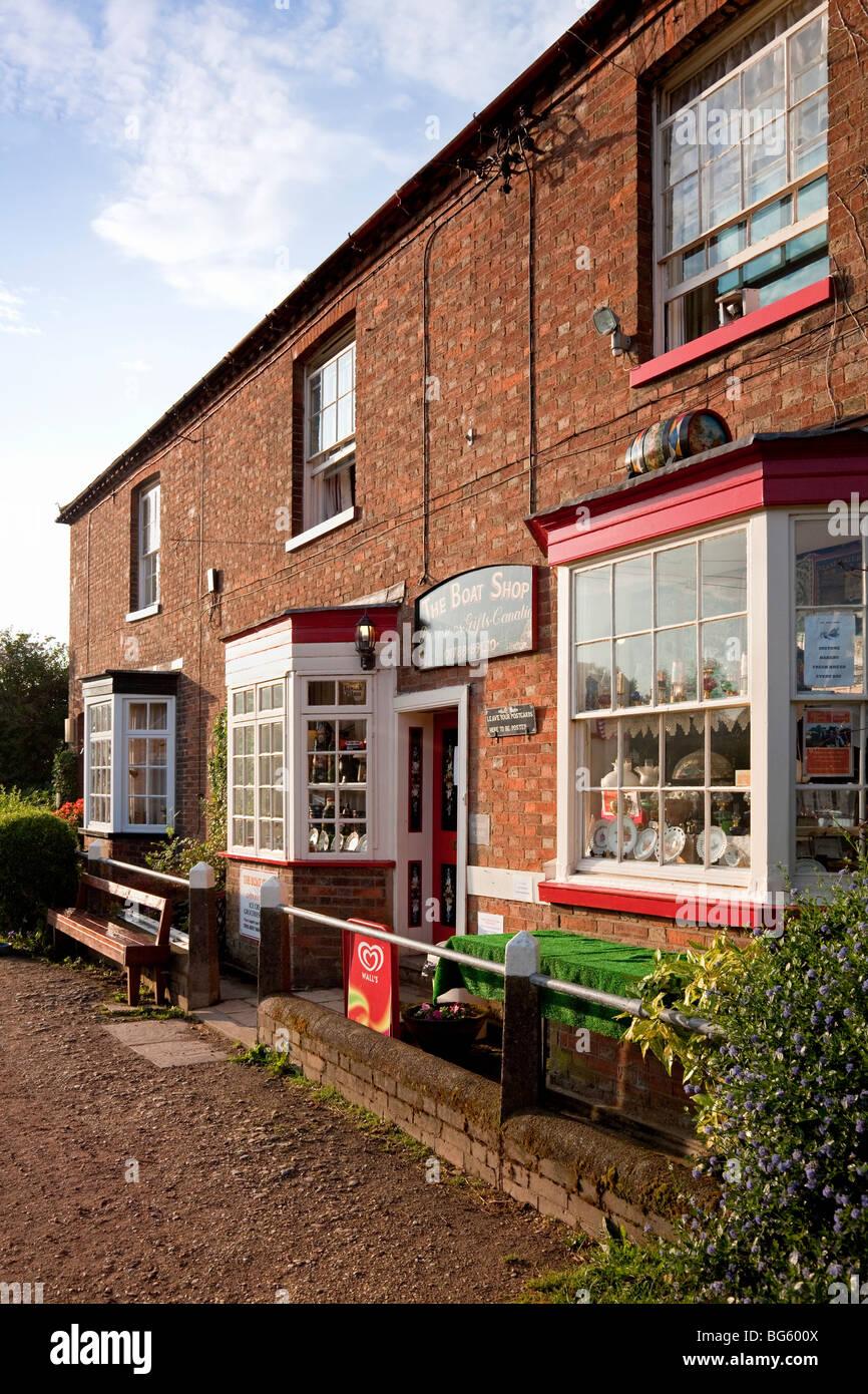 England Northamptonshire Braunston 'The Boat Shop' near Lock No. 1 - Stock Image