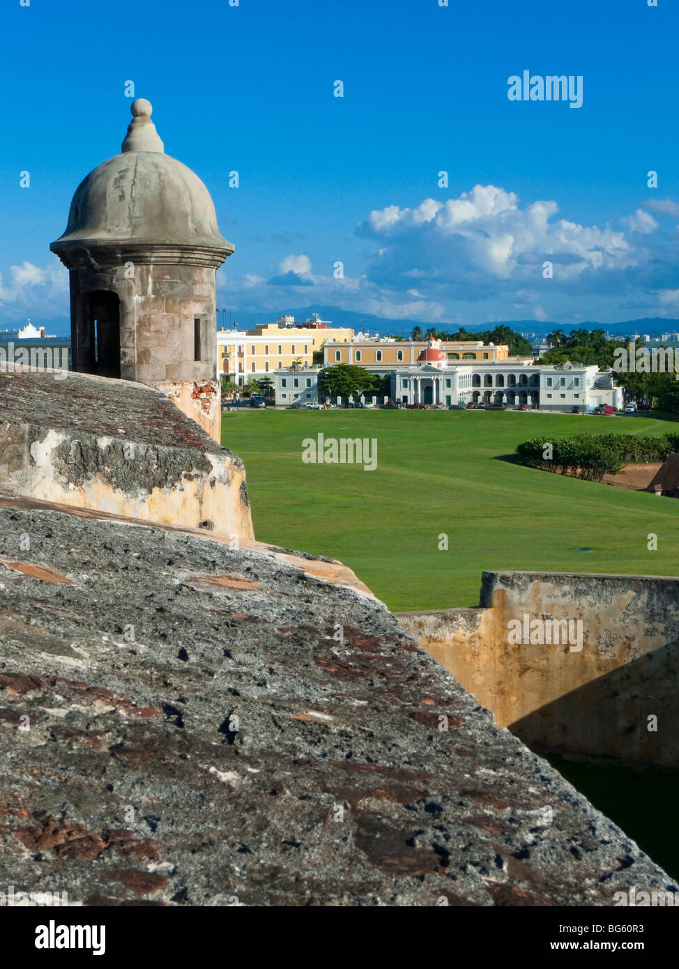 Sentry Box, El Morro Fort with the Ballaja Barracks in the Background, Old San Juan, Puerto Rico - Stock Image