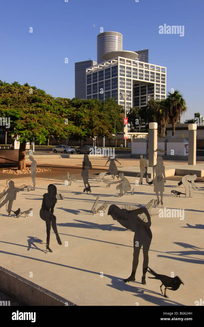 Israel, Tel Aviv-Yafo, the Square in front of Tel Aviv Museum of Art - Stock Image