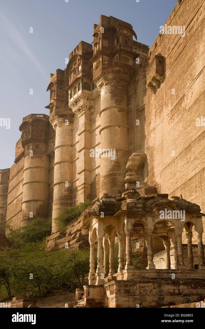 India Rajasthan Jodhpur Meherangarh fort walls - Stock Image