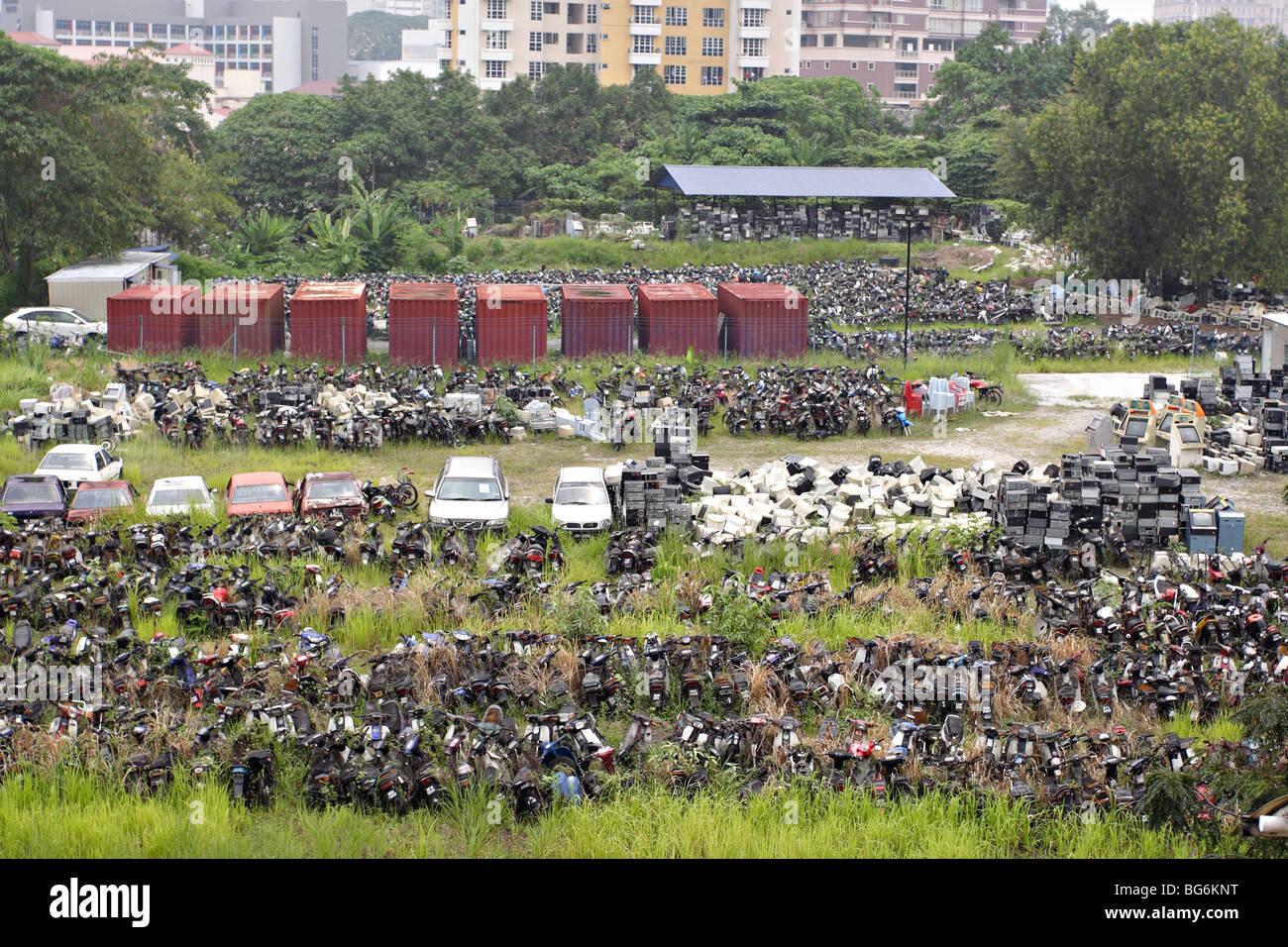 Junkyard in the middle of Kuala Lumpur, Malaysia Stock Photo ...
