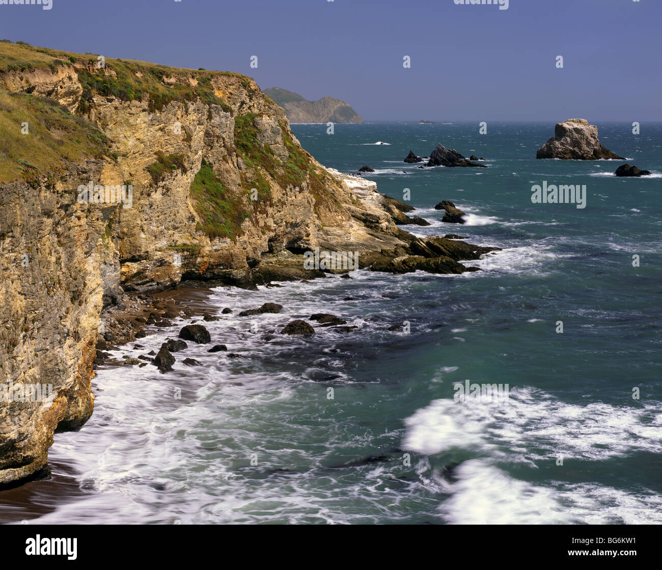 CALIFORNIA - View of the Pacific Coast south of Arch Rock in Point Reyes National Seashore. - Stock Image