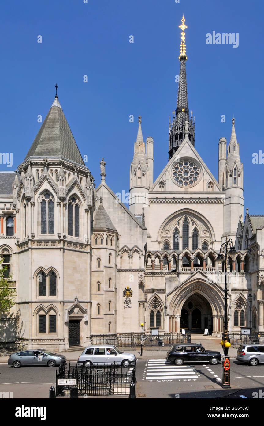 Royal Courts of Justice London corrected for converging verticals - Stock Image