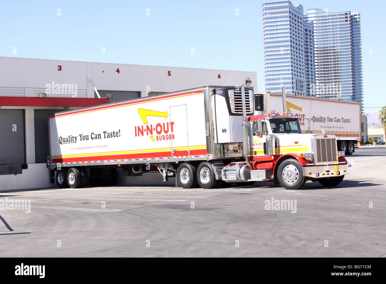 In N Out Burger Truck Stock Photo 27199668 Alamy