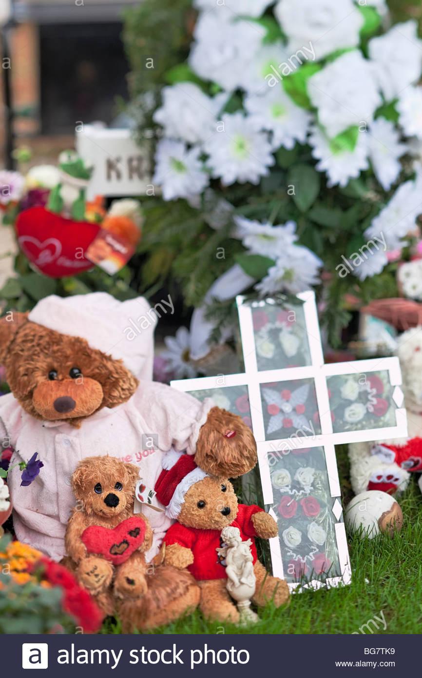 childrens grave, Wien, Vienna, Austria, Zentralfriedhof central cemetery - Stock Image