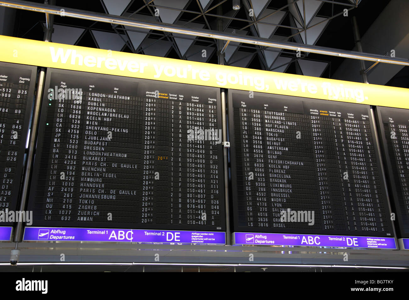 Airport Destination Board High Resolution Stock Photography And Images Alamy