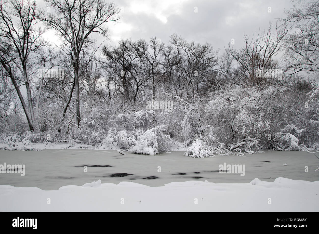Walking By Wingra Creek In Snow >> Inches Of Snow Stock Photos Inches Of Snow Stock Images Alamy