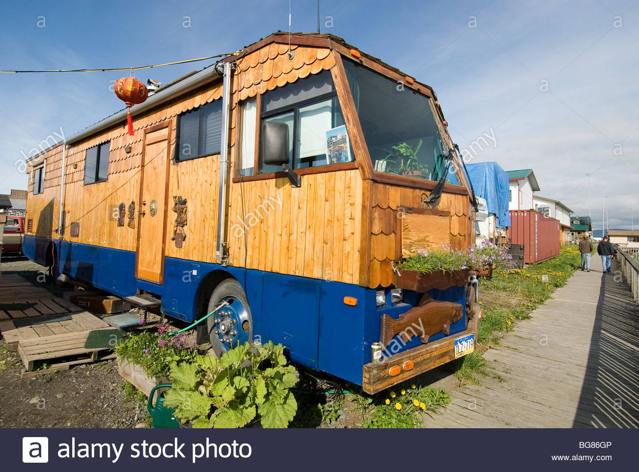 ALASKA RE-STORED WINNEBAGO MOTOR HOME PARKED HOMER RV CAMPGROUND HOMER SPIT - Stock Image