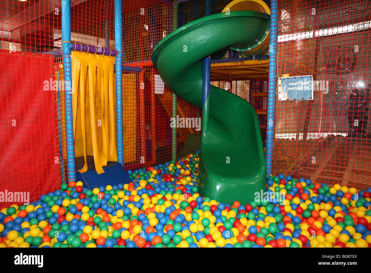 Ball Pool Stock Photos Amp Ball Pool Stock Images Alamy