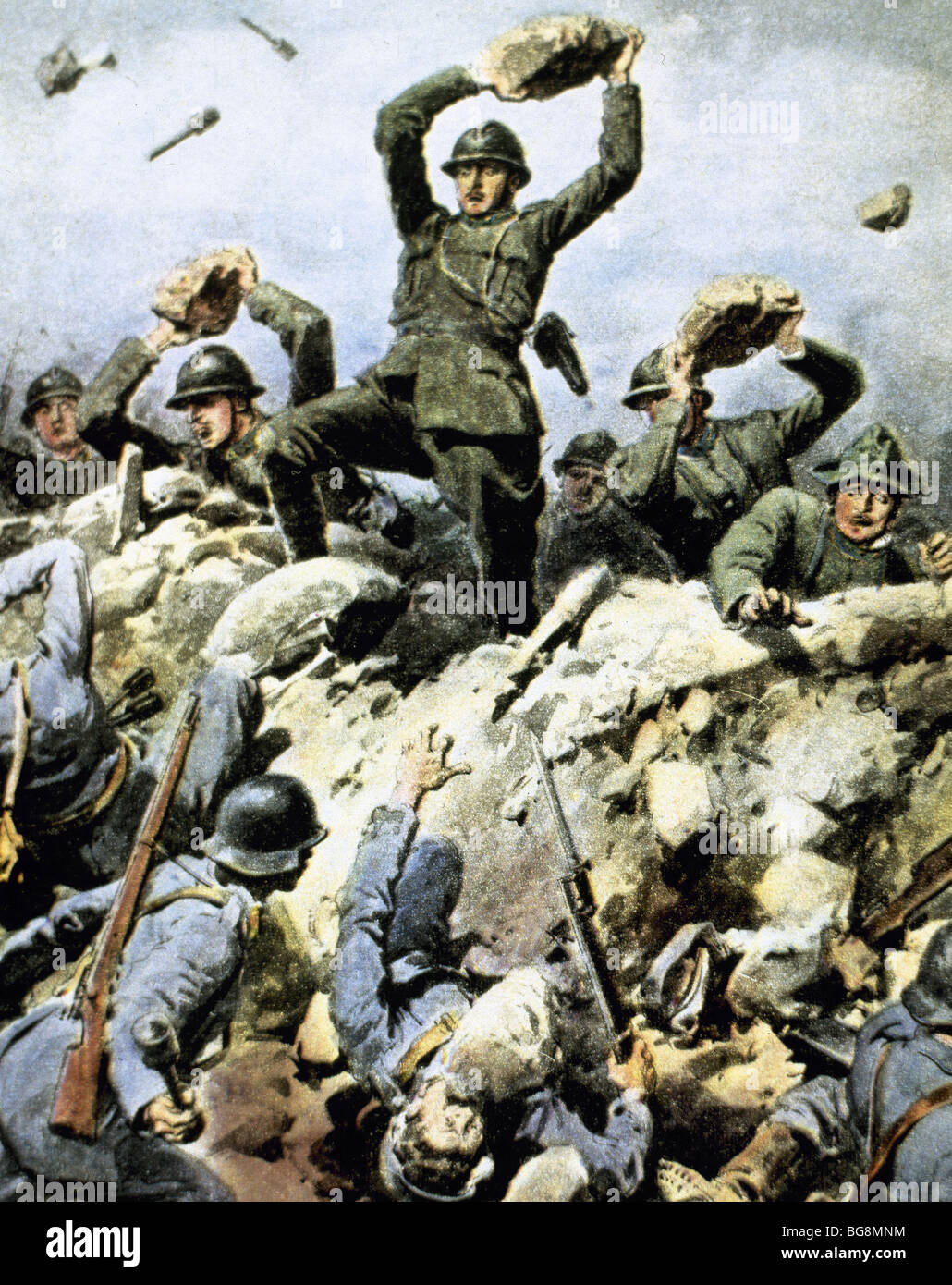 World War I (1914-1918). Italian troops defending their positions against the enemy using stones. 1917. - Stock Image