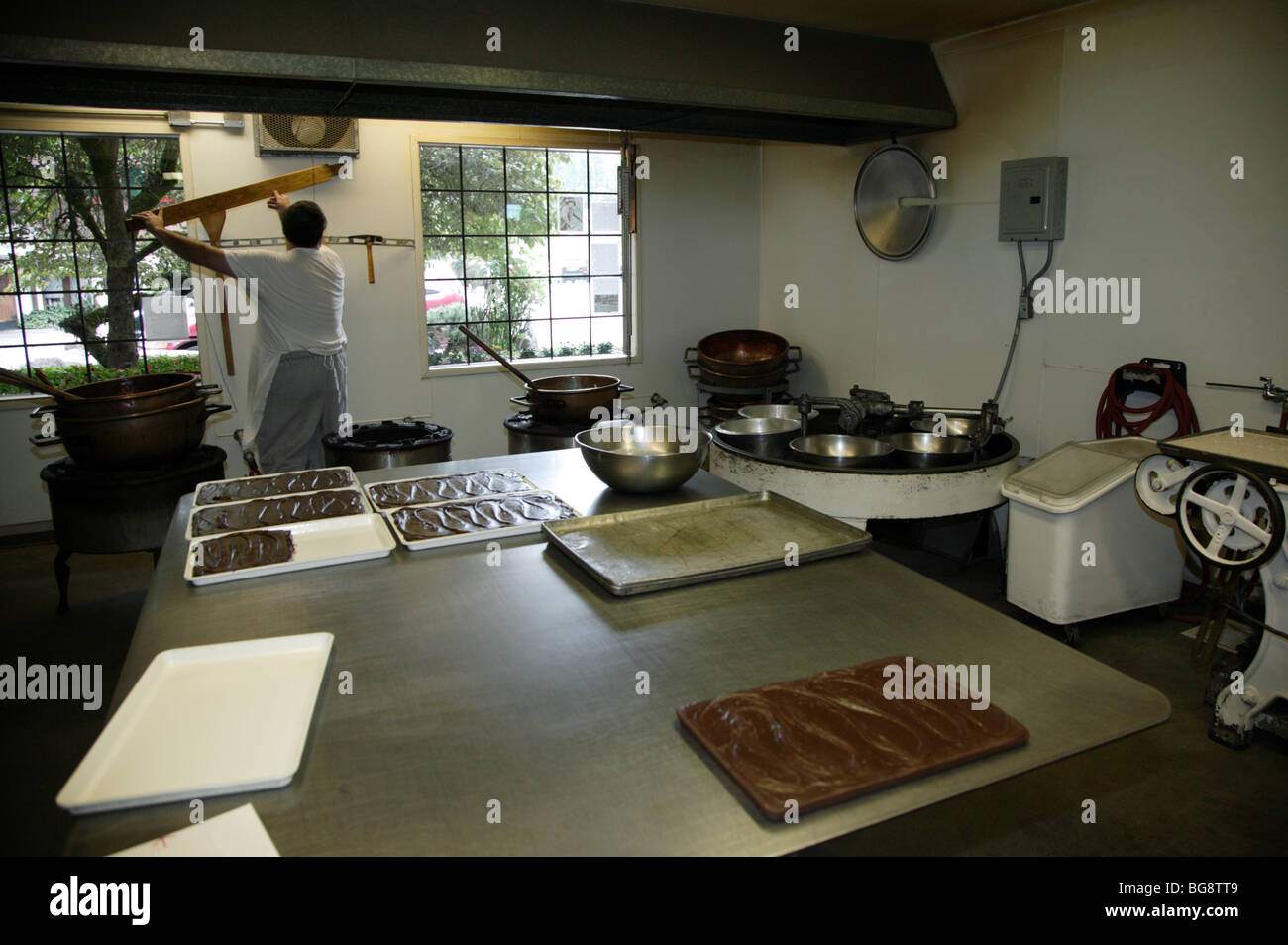 Image showing the equipment used in the early stages  of Chocolate manufacture at Boehms Chocolate Factory, Issaquah - Stock Image