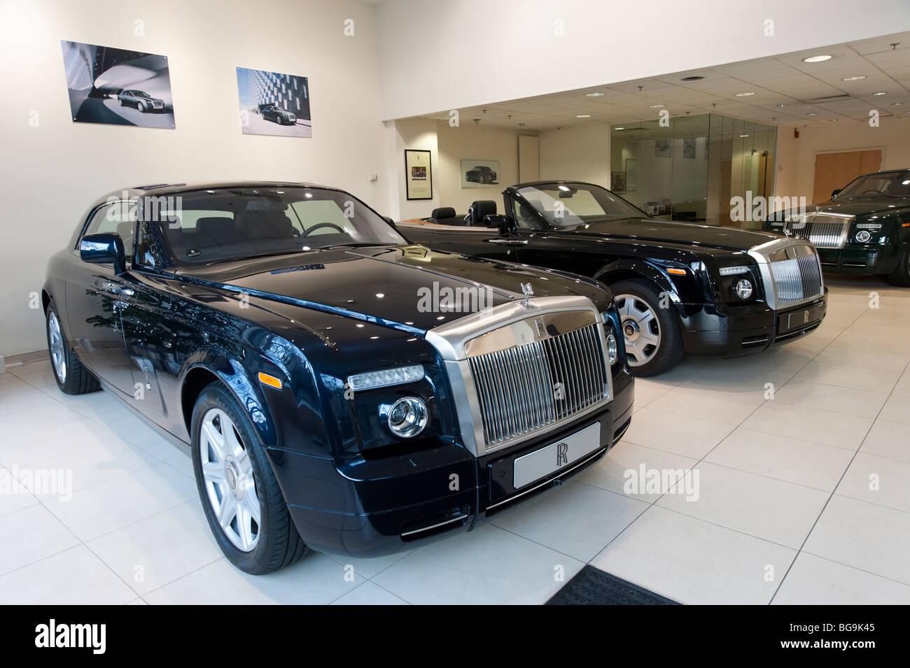 Rolls Royce Car Showroom In Mayfair London England Uk Stock Photo