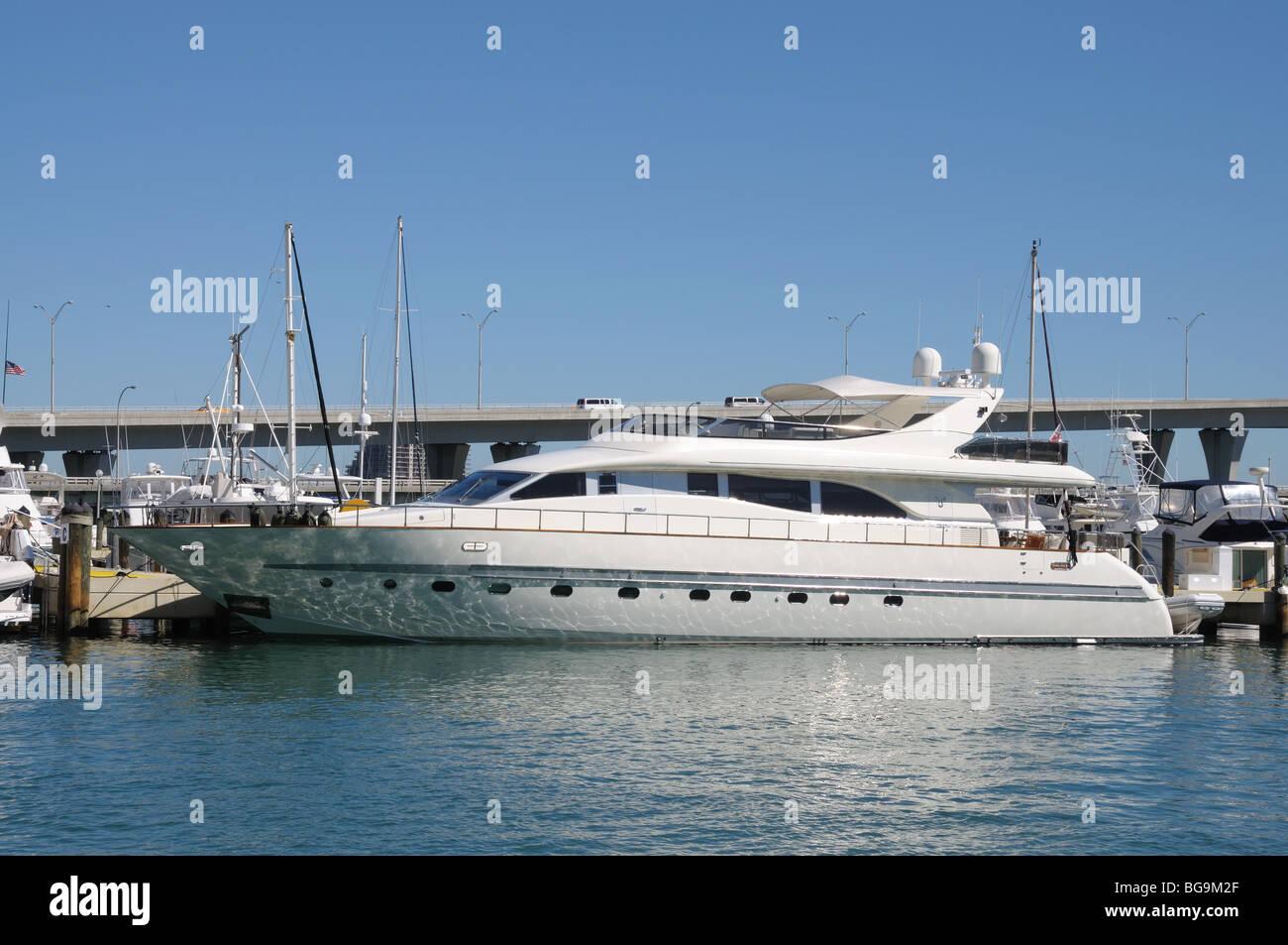 Luxury Yacht at Miami Bayside Marina, Florida - Stock Image