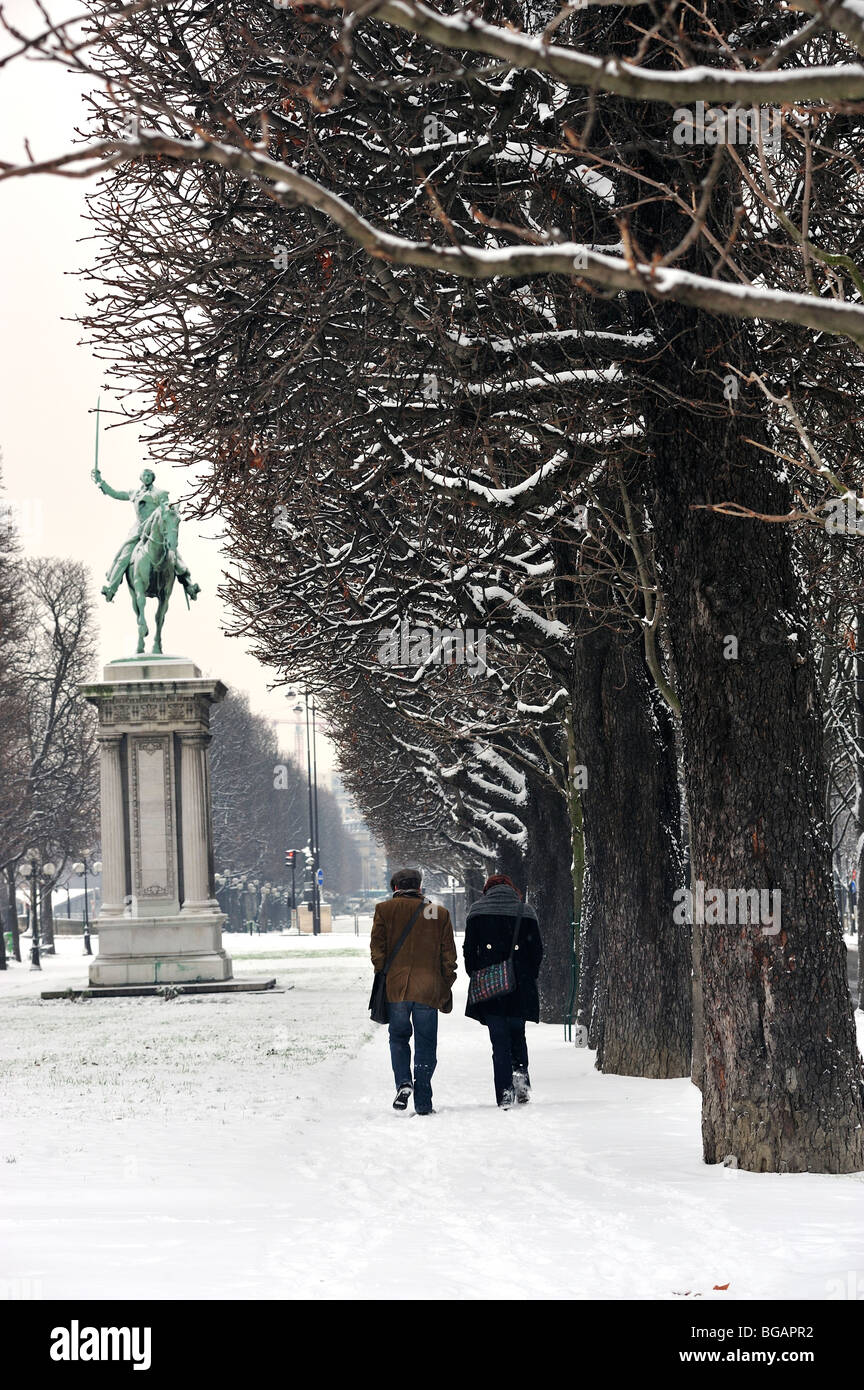 Paris, France, Winter Snow Storm, Couple Walking , Quai d'Orsay Stock Photo