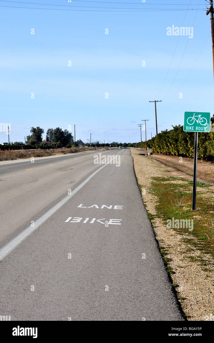Bike lane in the countryside near Fresno, California - Stock Image