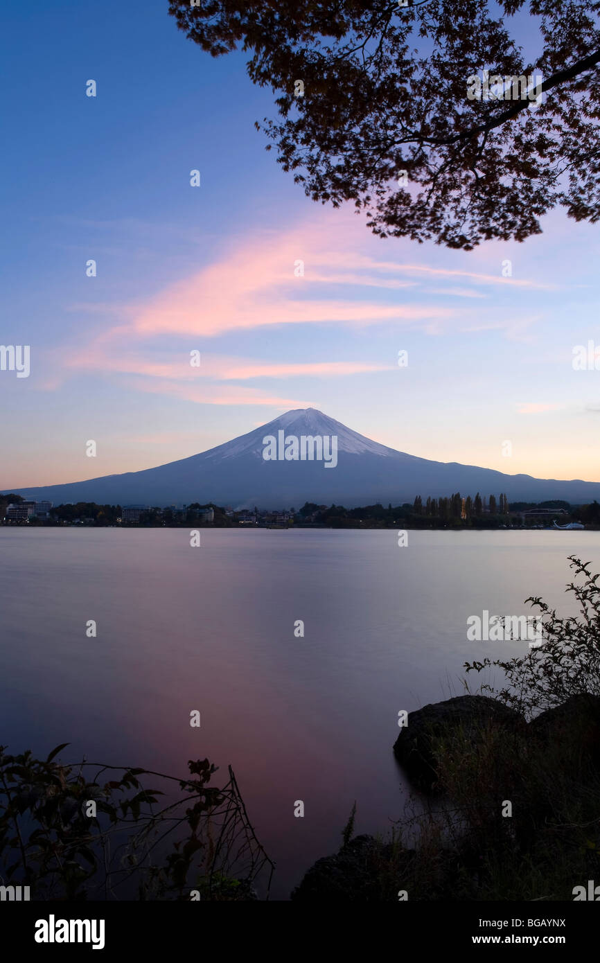 Japan, Honshu Island, Kawaguchi Ko Lake, Mt. Fuji and Maple Trees - Stock Image