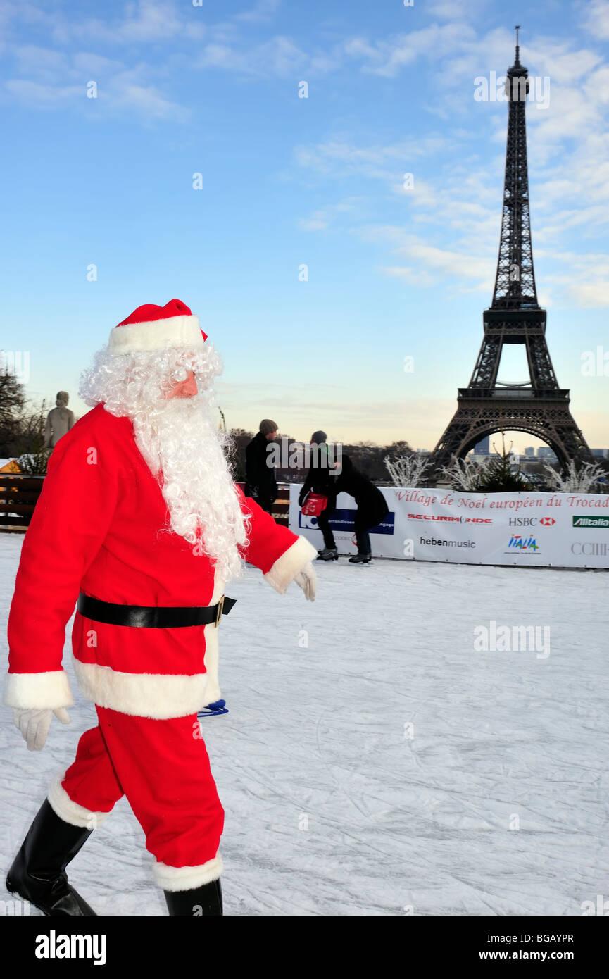 Paris, France, Christmas Scene, Jardin de Trocadero, Ice Skate Rink and 'Eiffel Tower', Santa Claus, Father - Stock Image