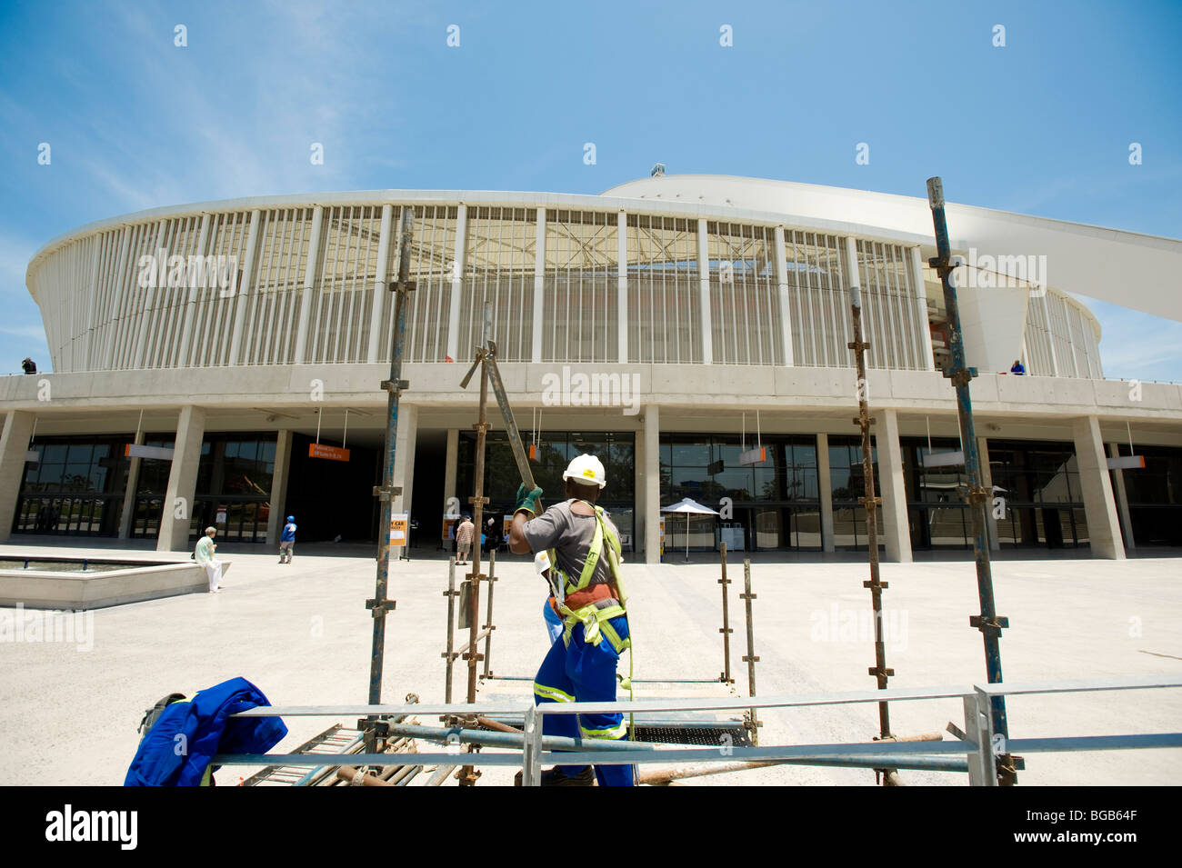 Construction workers finishing the Durban Moses Mabhida Soccer Stadium. Durban, South Africa - Stock Image