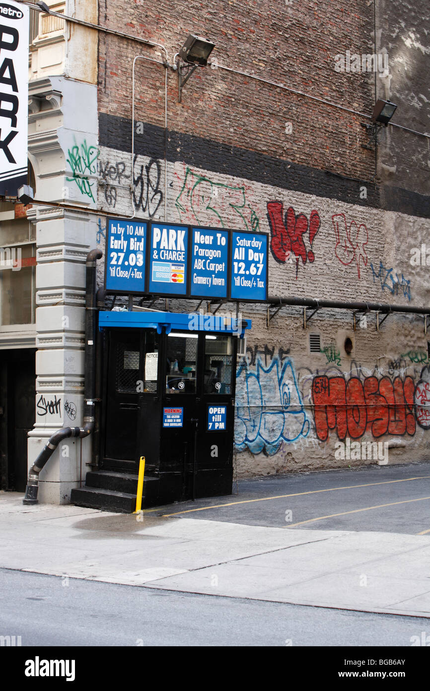 parking lot office in New York City - Stock Image