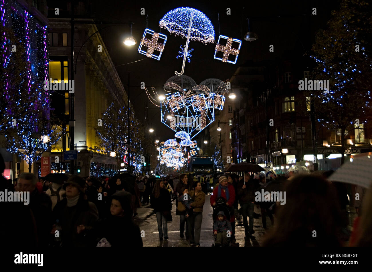 london oxford street  Christmas lights  in 2009 being turned on with crowds of shoppers - Stock Image