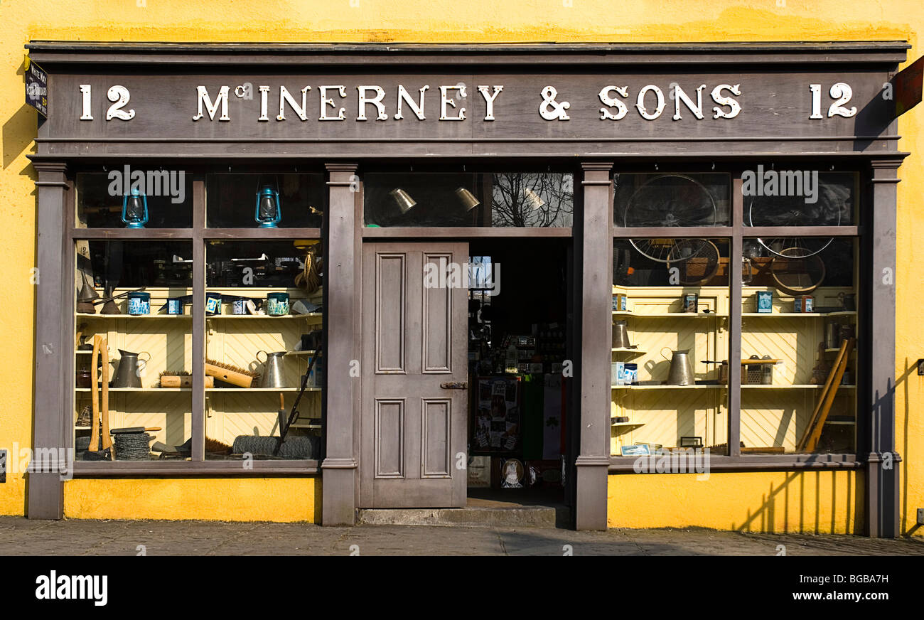 Ireland, County Clare, Bunratty Folk Park,  Village Street denotes village life in 19th century Ireland  McInerney - Stock Image