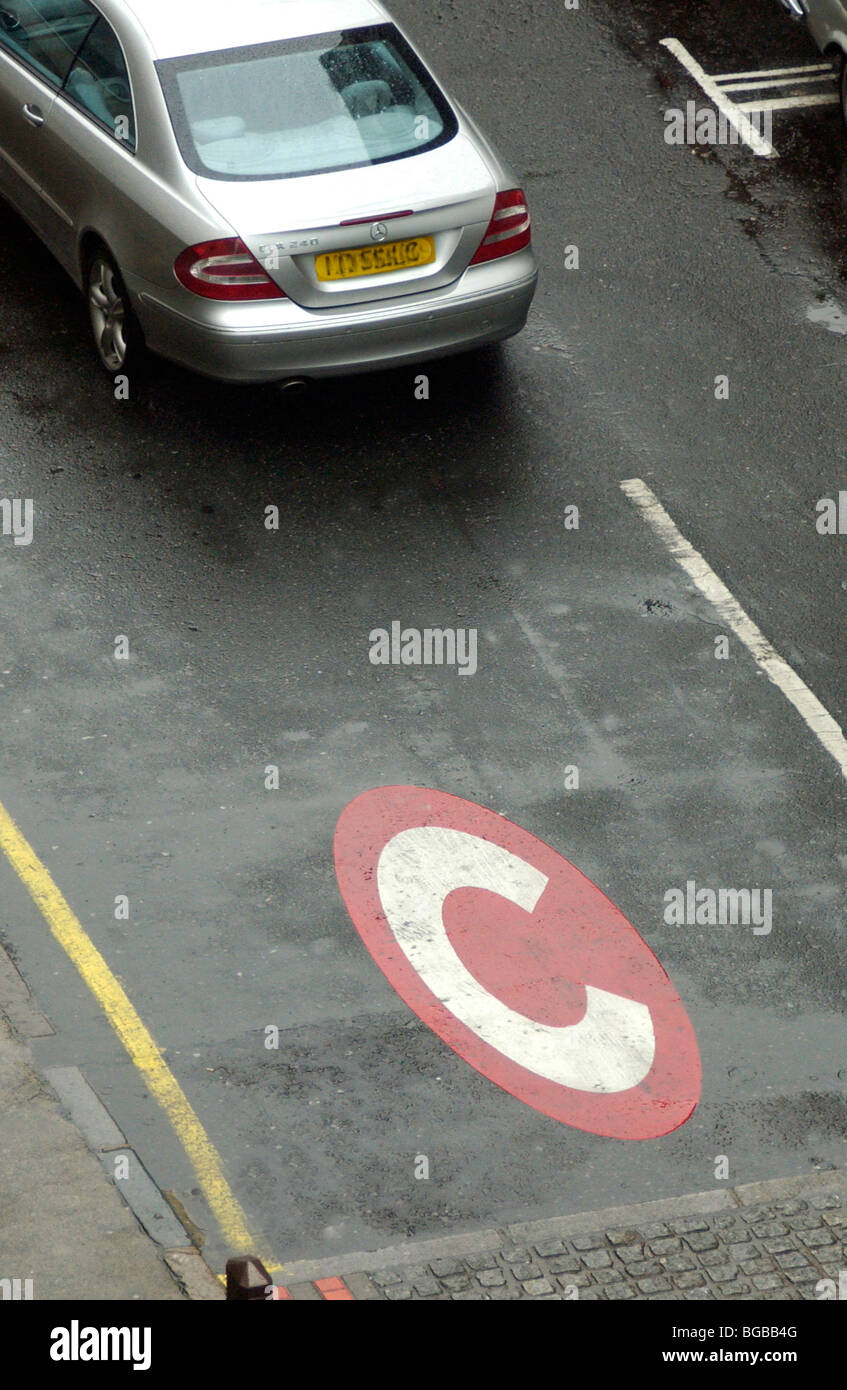 Photograph of congestion zone car reduction low emissions carbon - Stock Image
