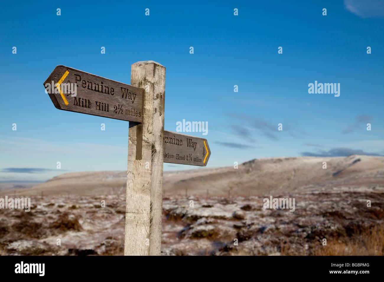 Pennine Way signpost on A57, Snake Pass - Stock Image