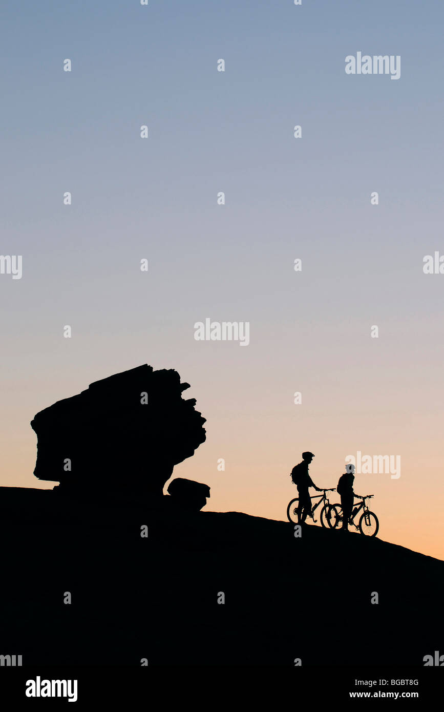 Mountain bikers, Slickrock Bike Trail, Moab, Utah, USA - Stock Image