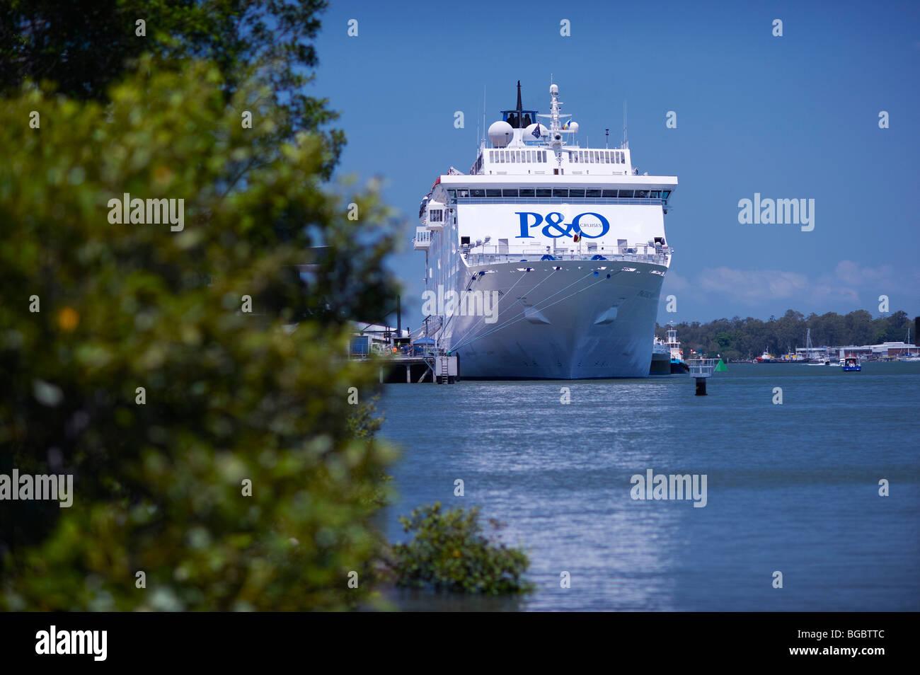 P&O Pacific Sun docked at Portside Wharf Cruiseship Terminal Brisbane - Stock Image