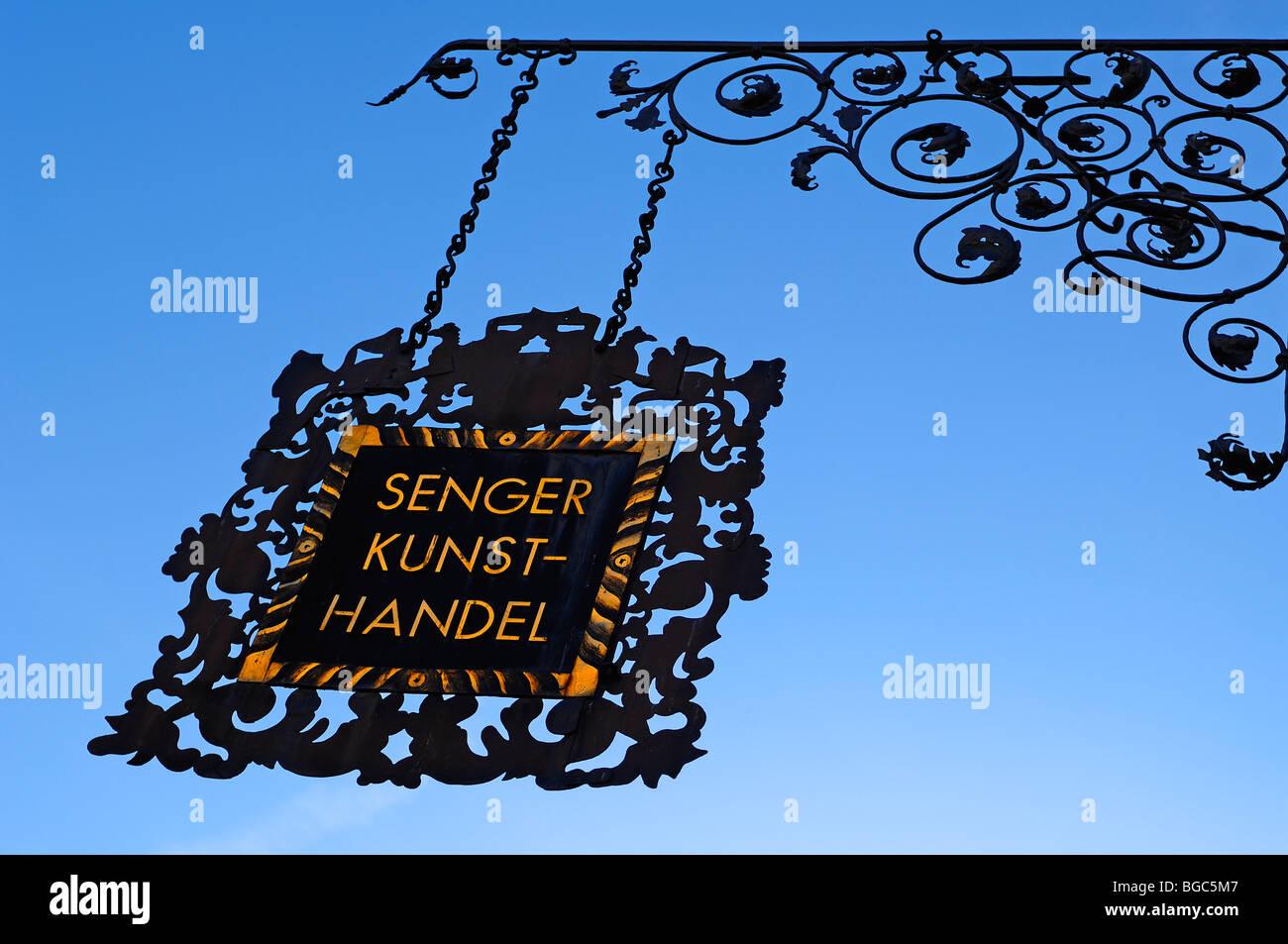 Decorative hanging sign of the art store 'Senger', Karolinenstrasse, Bamberg, Upper Franconia, Bavaria, - Stock Image