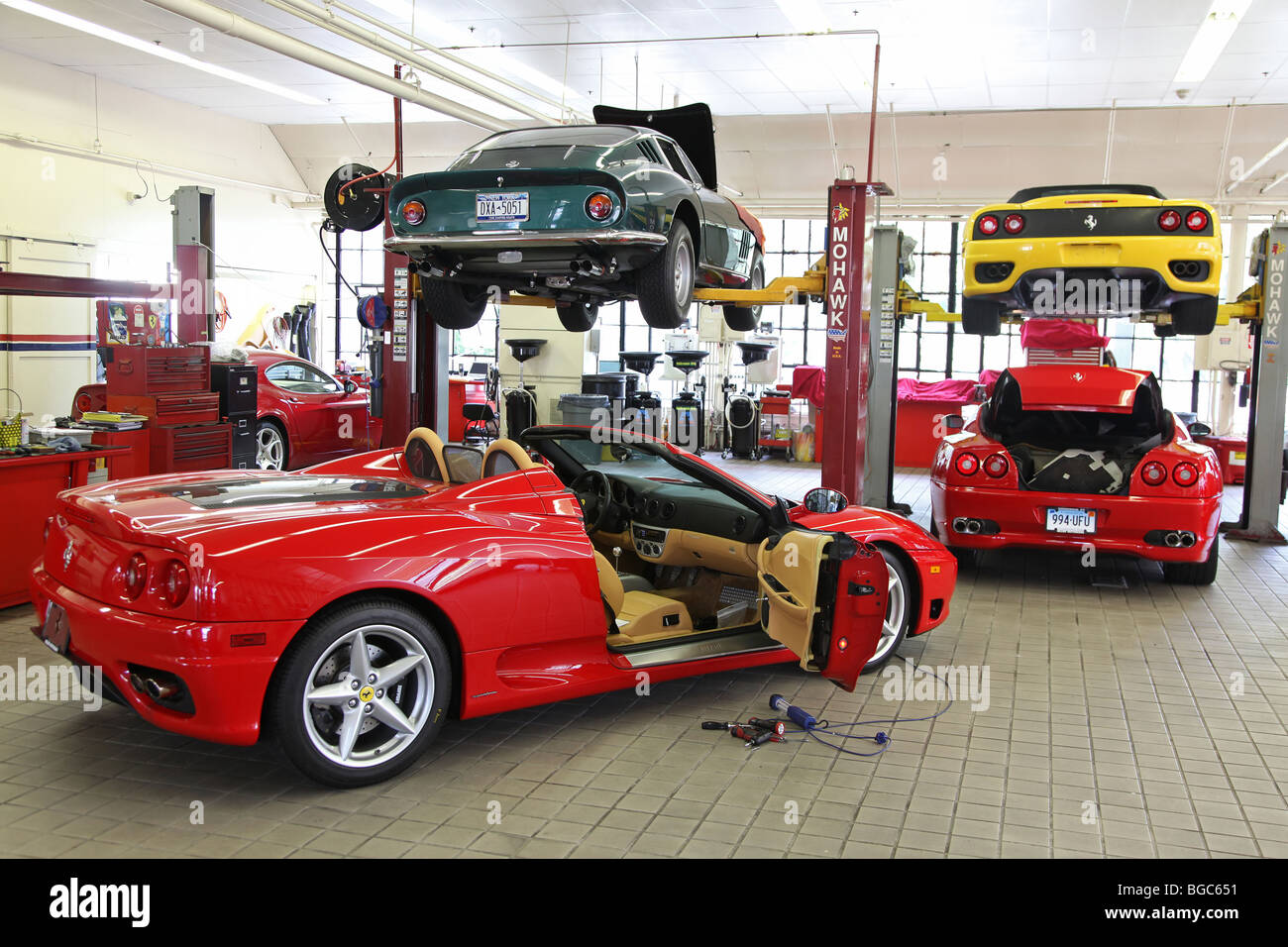 Garage  Gas Monkey Garage Ferrari