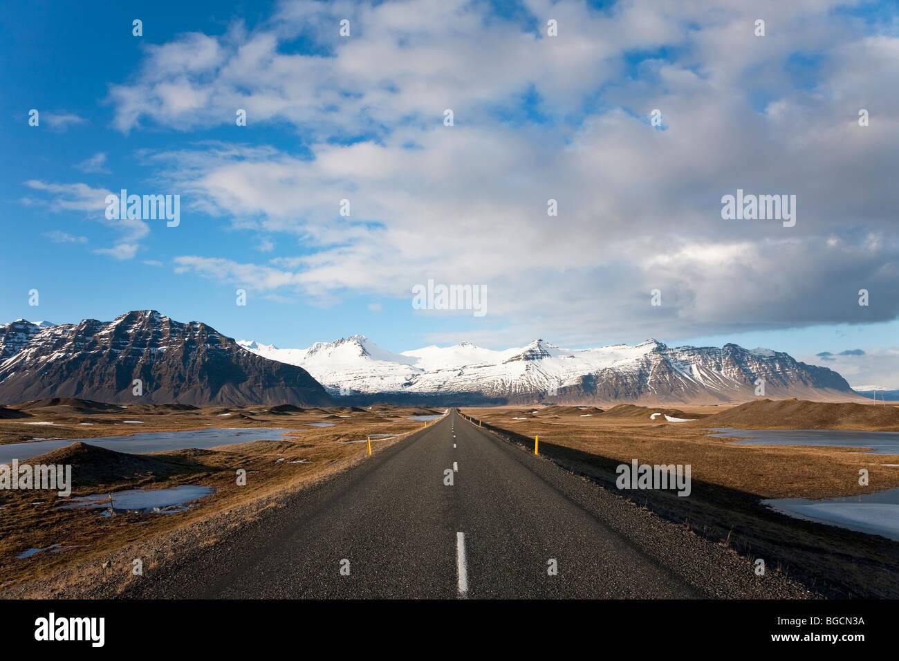 Road nr Jokusarlon, nr Hofn, S.Iceland - Stock Image