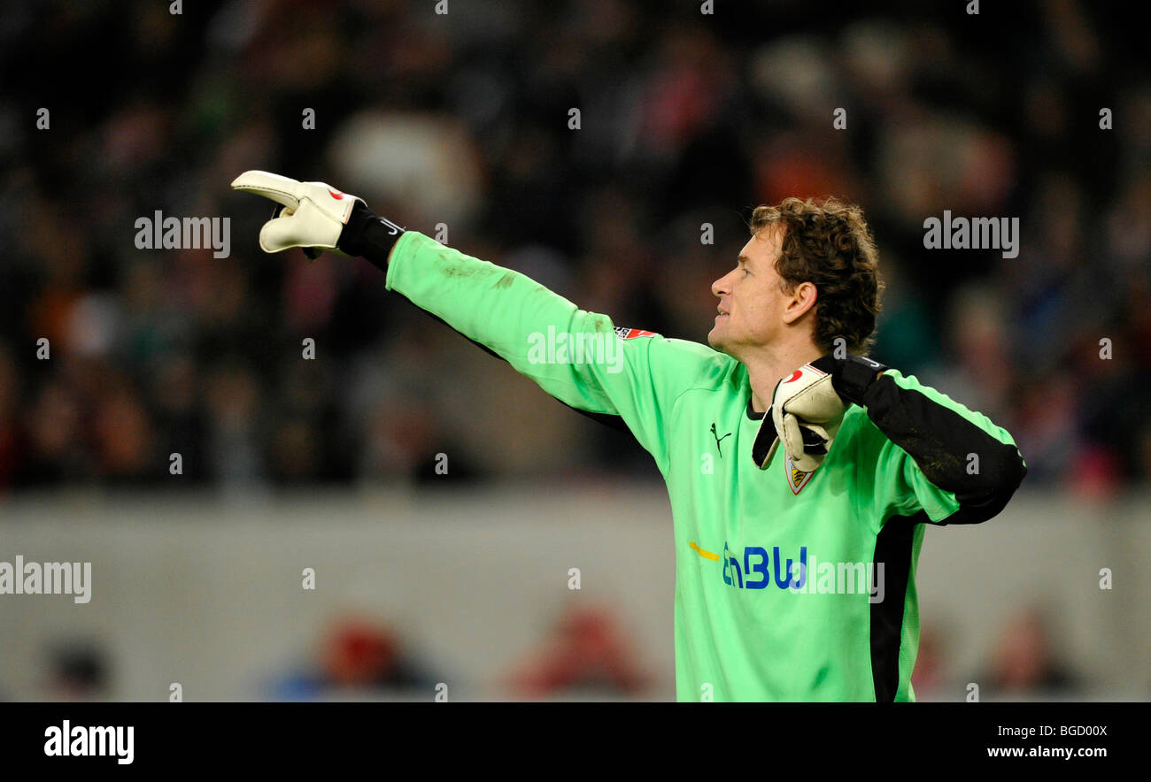 Goalkeeper Jens Lehmann, VfB Stuttgart football club, directing the defense - Stock Image