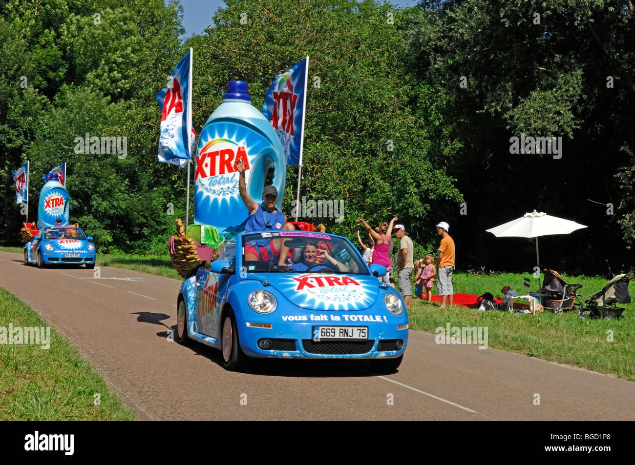 Tour de France 2009 publicity caravan at Commissery, near Tonnerre in the Yonne (89) departement of France - Stock Image