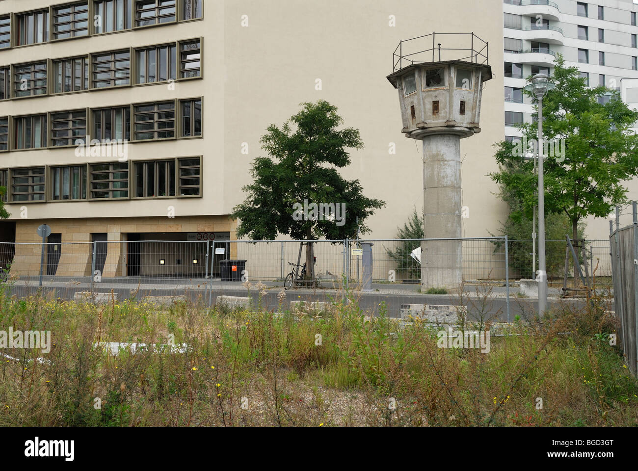 Berlin. Germany. East German watchtower on Erner Berger Strasse just off Potsdamer Platz. - Stock Image