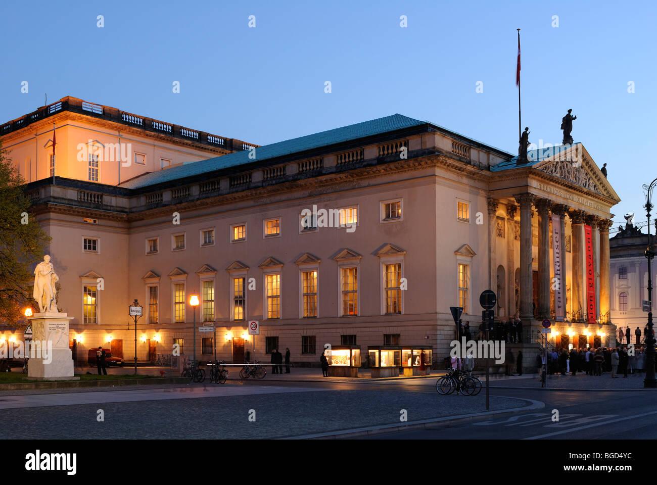 Deutsche Staatsoper Unter den Linden at night, Berlin Mitte, Berlin, Germany, Europe. - Stock Image