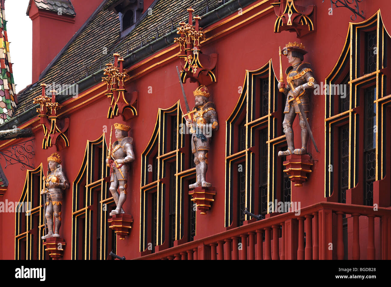 Figures of the 'Four Habsburg rulers' on the Historisches Kaufhaus historical department store, 1520, 24 - Stock Image