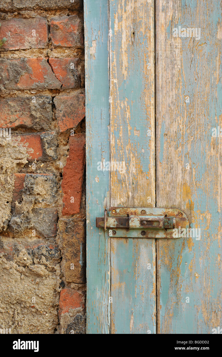 peeling paint on an outhouse door - Stock Image & Outhouse Door Stock Photos \u0026 Outhouse Door Stock Images - Alamy