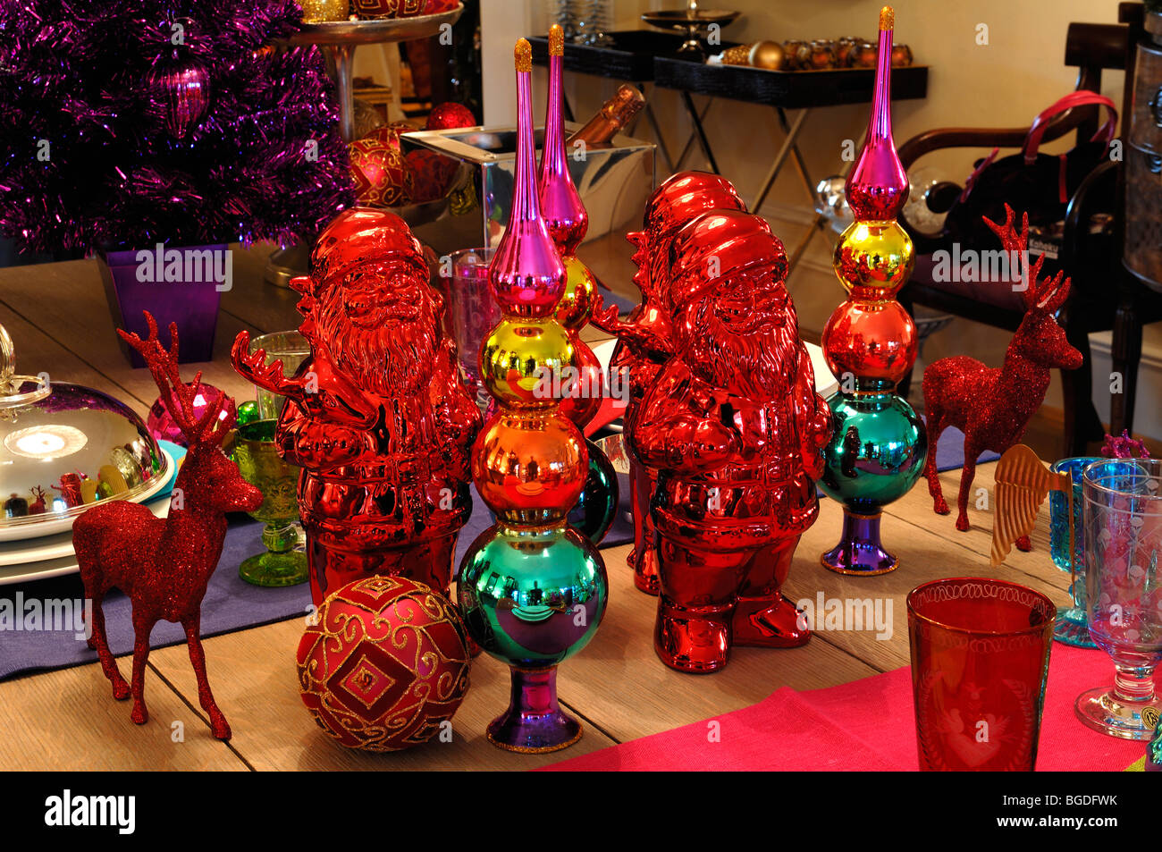 Kitschy Christmas Dekoration Stock Photos & Kitschy Christmas ...