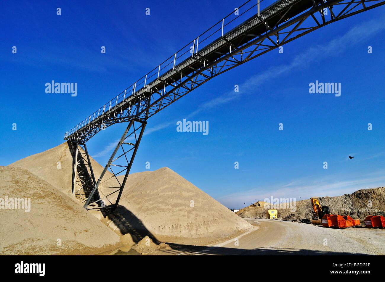 Conveyor belt, gravel pit near Oberhaching, Bavaria, Germany, Europe - Stock Image
