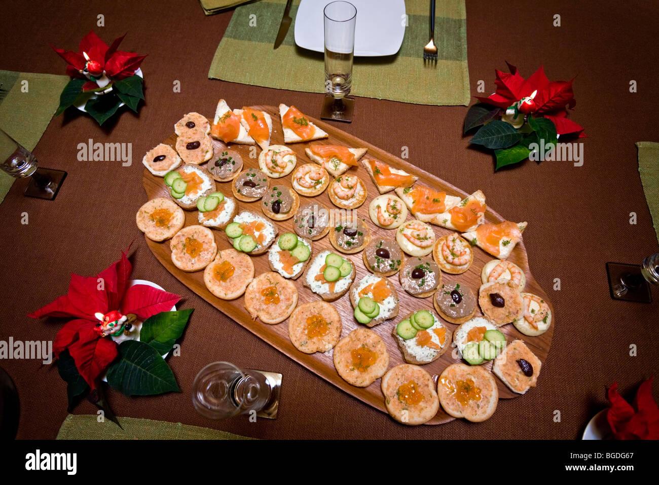 Appetizers on a platter (France). Amuse-gueules sur un plateau (France). - Stock Image