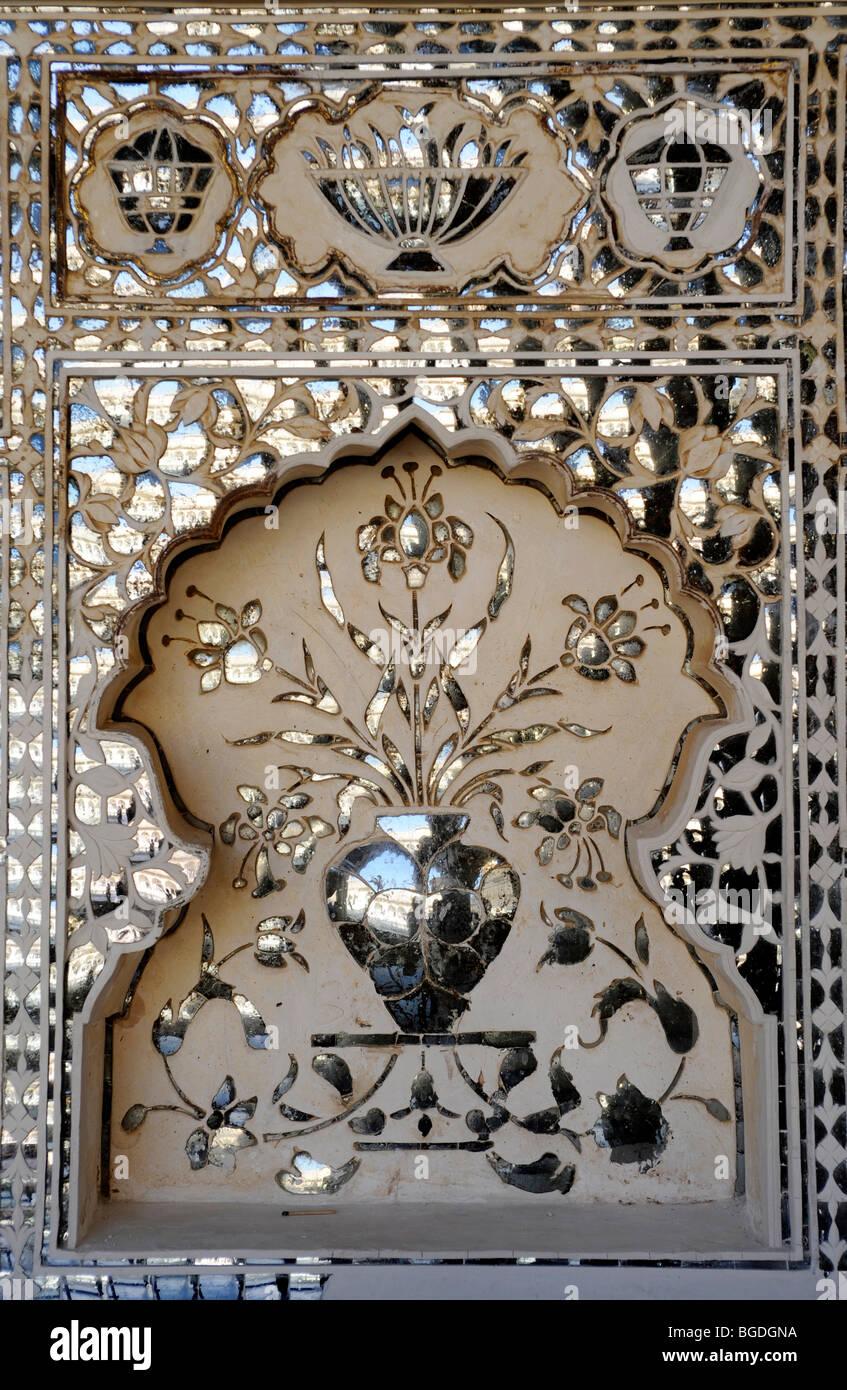 Mirror ornaments on the Hall of Victory, Jai Mandir, Fort of Amber, Amber, near Jaipur, Rajasthan, North India, - Stock Image
